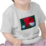 Pitón de la bola al lado del gorra de Santa, Camisetas