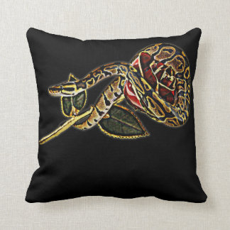 Pitón de la bola de la almohada de la serpiente y