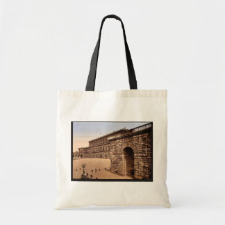 Pitti Palace, royal residence, Florence, Italy cla Tote Bag