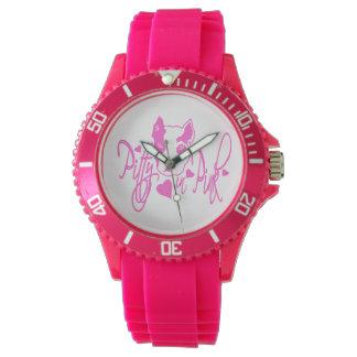 Pittie en rosa relojes