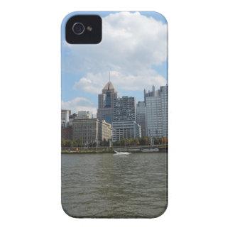 Pittsburgh céntrica Sklyine iPhone 4 Case-Mate Cárcasa