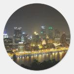 Pittsburgh en la noche etiquetas redondas