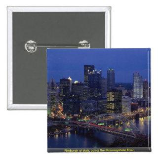 Pittsburgh en la oscuridad a través del río de Mo Pins