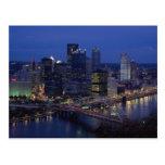 Pittsburgh en la oscuridad, a través del río de Mo Postales