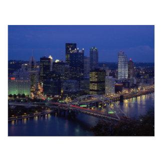 Pittsburgh en la oscuridad, a través del río de postales