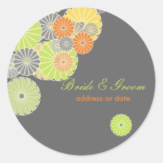 PixDezines Kiku (chrysanthemum), citrus color Round Sticker