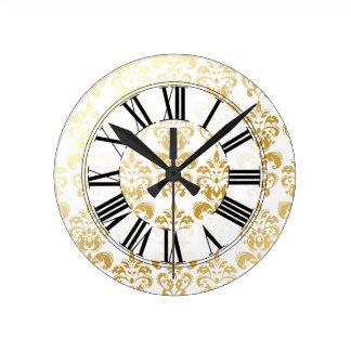 PixDezines lys damask/DIY background color Round Clocks