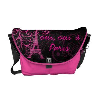 PixDezines oui, oui  à Paris/diy background color Messenger Bag