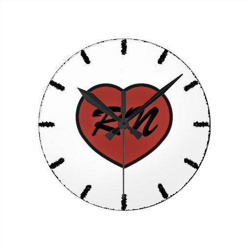 pixel del corazón del rn reloj redondo mediano