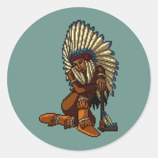 Pixel indio americano de la hacha de guerra de la pegatina redonda