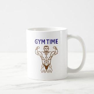 pixelart del tiempo del gimnasio taza clásica
