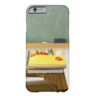 Pizarra en sala de clase funda de iPhone 6 barely there