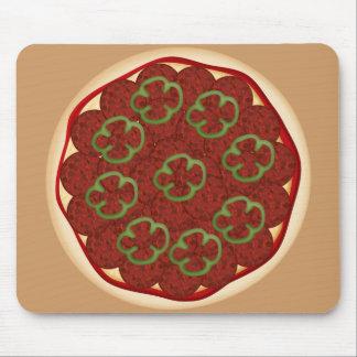 Pizza con los salchichones y las pimientas alfombrillas de ratón