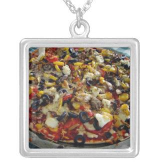Pizza, con queso Feta, aceitunas, pimiento Joyerias Personalizadas
