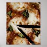 pizza de queso madera-encendida póster