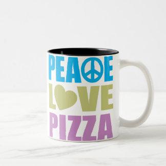 Pizza del amor de la paz taza de dos tonos