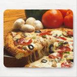 Pizza deliciosa tapetes de raton