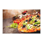 Pizza italiana fresca lienzo envuelto para galerías