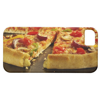 Pizza vegetal cortada en la cacerola negra en la iPhone 5 funda