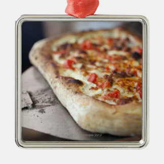 Pizza with tomatoes, garlic and meat substitute metal ornament