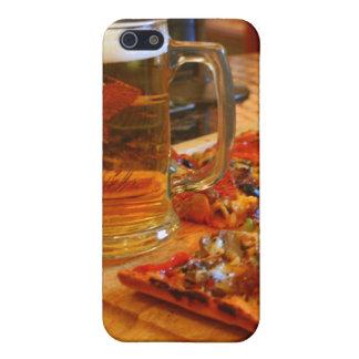 Pizza y cerveza iPhone 5 carcasa