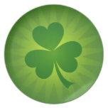 Placa afortunada del día del St Patricks del trébo Plato Para Fiesta