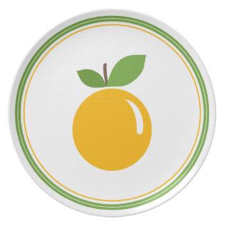 Placa anaranjada deliciosa platos de comidas