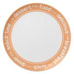 Placa anaranjada y blanca del texto de la cena del platos para fiestas