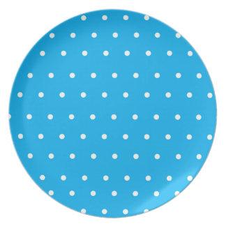 Placa azul de la exhibición con los lunares plato para fiesta