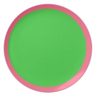 Placa brillante del rosa y de la verde lima plato de cena