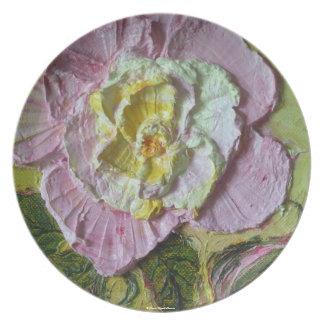 Placa color de rosa rosada plato de comida