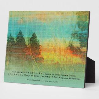 Placa colorida de los árboles del rezo de la seren