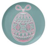 Placa con el huevo de Pascua feliz Platos