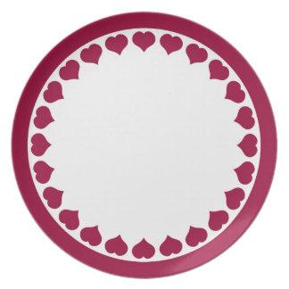 Placa con la frontera en forma de corazón platos para fiestas