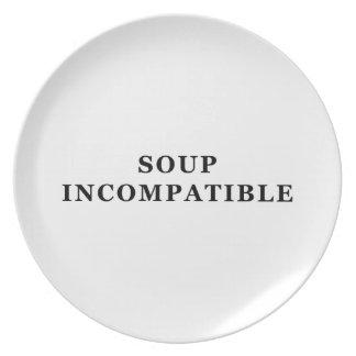 """Placa con la impresión incompatible de la """"sopa"""" e platos"""