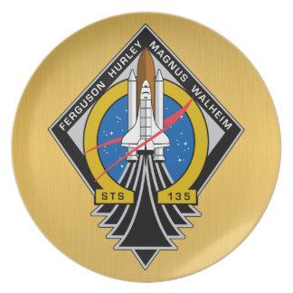Placa conmemorativa del vuelo final del STS 135 la Plato De Cena
