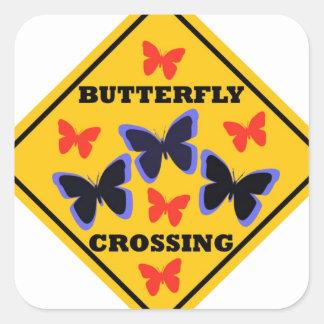 Placa de calle de la travesía de la mariposa pegatina cuadrada
