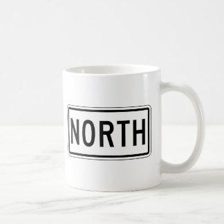 Placa de calle del norte taza básica blanca