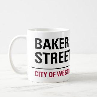 Placa de calle del panadero taza básica blanca