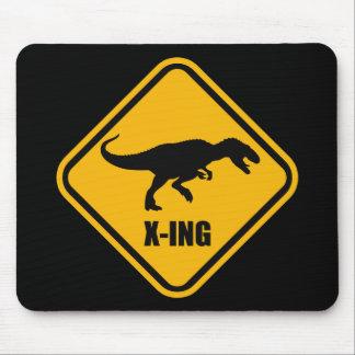 Placa de calle T Rex de la travesía del dinosaurio Tapetes De Raton