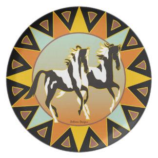 Placa de cena del caballo de la pintura de la estr platos