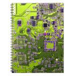 Placa de circuito del friki del ordenador - amaril libro de apuntes