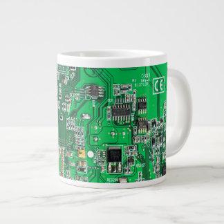 Placa de circuito del friki del ordenador - verde taza grande