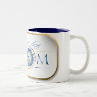 Placa de identificación orgullosa azul de la mamá  taza de café