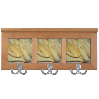 Placa de la comida amarilla cortada de la calabaza