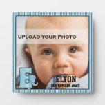 """Placa de la foto del niño con monograma azul de """"E"""