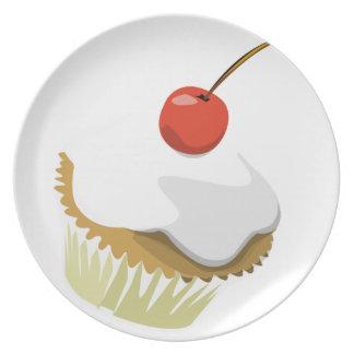 Placa de la magdalena de la nata plato de cena