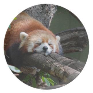 Placa de la panda roja el dormir platos de comidas