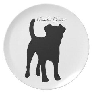 Placa de la silueta del negro del perro de Terrier Platos