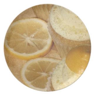 placa de las magdalenas del limón plato